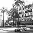 Graham Hill i Monaco utanför Cafe de Paris